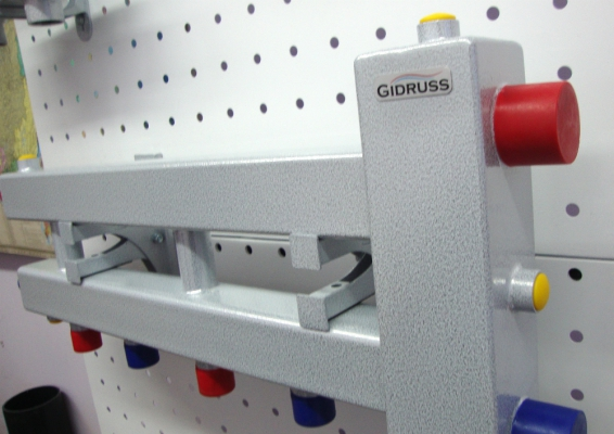 Коллектор с гидрострелкой на 3 контура Gidruss BM-100-3D